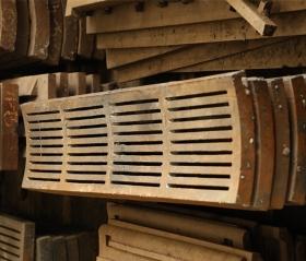 高锰钢细缝筛板