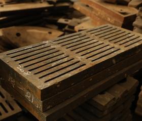 高锰钢筛板(细缝)